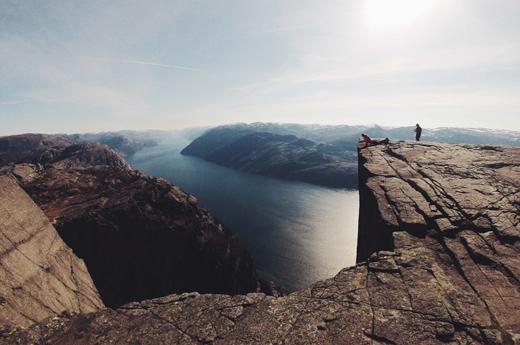 viaje-escandinavia-tierras-vikingas-preikestolen