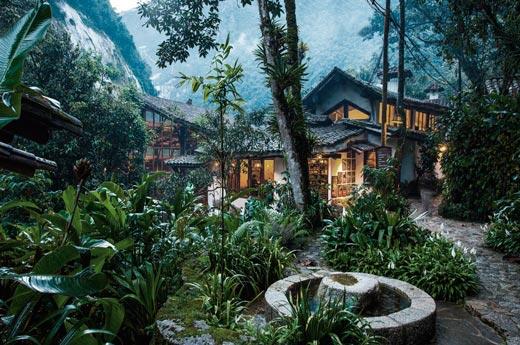viaje-peru-colombia-machu-picchu-pueblo-hotel-opcional